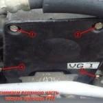 Откручиваем верхнюю часть защитного кожуха привода ремня газораспределения используем ключ на 10 и желательно трещотку