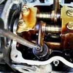 Регулируем клапана и меняем прокладку крышки клапанов Шевроле Авео 1.2